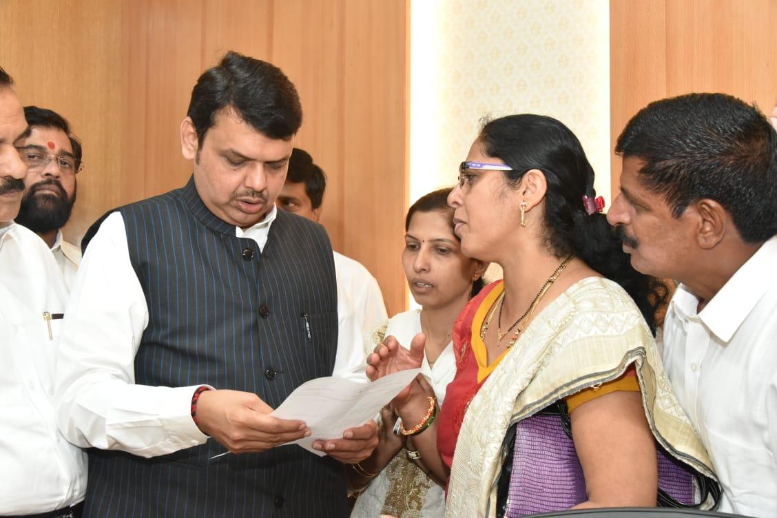 Cm meets saraswati patil